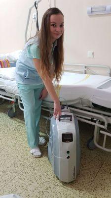 Nové oxygenerátory nakoupila pro pacienty Nemocnice Louny